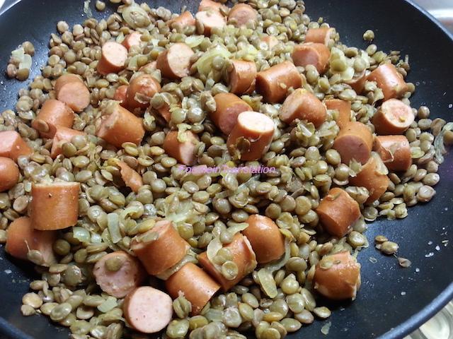 Padellata di lenticchie con würstel