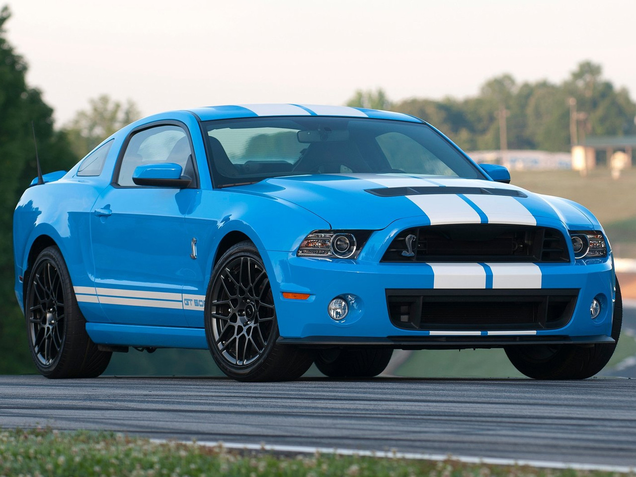 2013 ford mustang shelby gt500 review. Black Bedroom Furniture Sets. Home Design Ideas