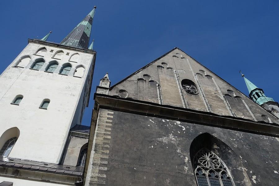 聖オレフ教会=オレヴィステ教会(Oleviste kirik)の裏側
