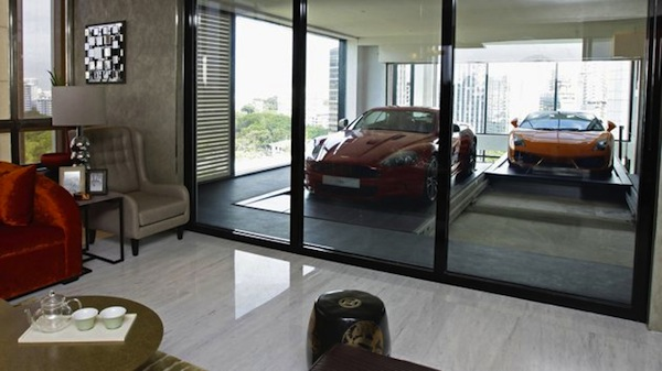 Hamilton Luxury Apartment With Private Garage For Car Parking