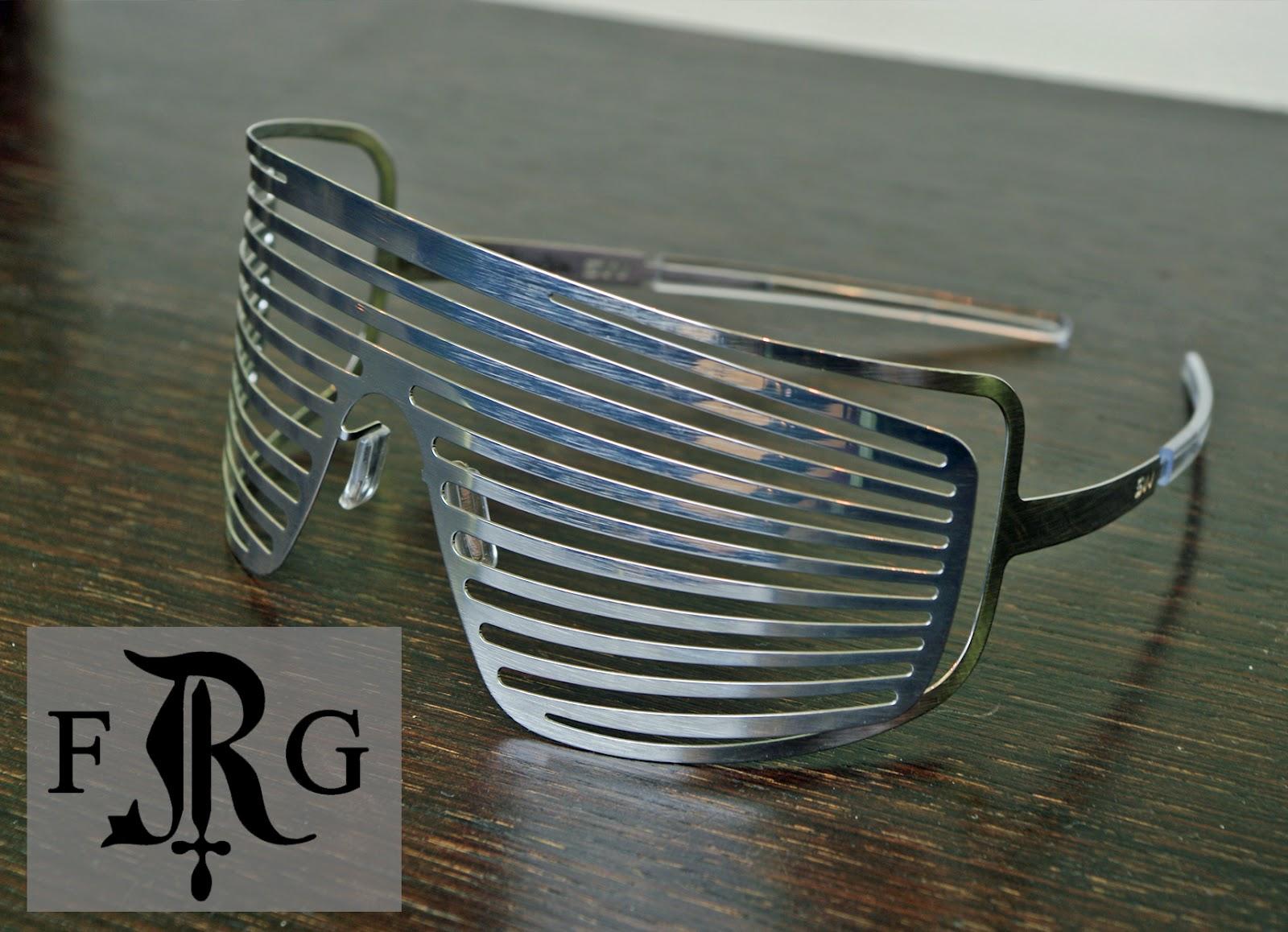 La marque SLAV NOWOSAD est connu chez les avant-gardistes pour être l une  des marques de lunettes les plus extravagantes du moment. 7fb6c689e6ae