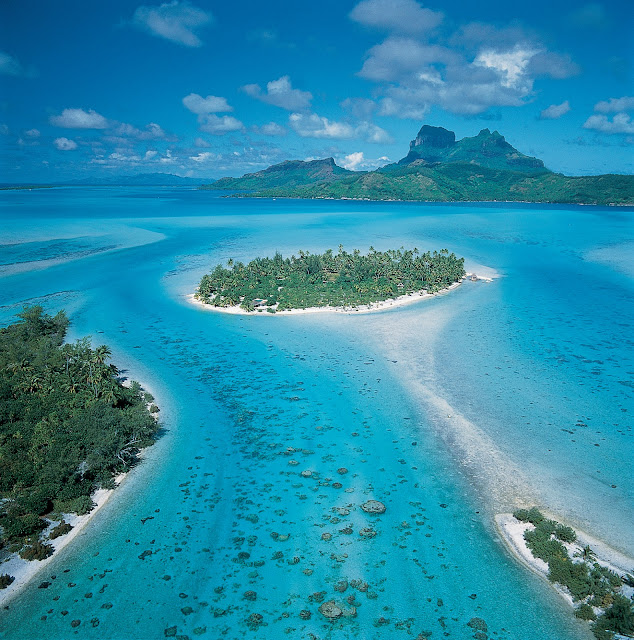 Tahiti is the largest island in the Windward group of French Polynesia, located in the archipelago of the Society Islands in the southern Pacific Ocean. It is the economic, cultural and political centre of French Polynesia.Bora Bora, Moorea, Huahine, Taha'a, Raiatea, Manihi, Tikehau, Rangiroa, Fakarava, The Marquesas and the other exquisite Islands of Tahiti cover more than two million square miles of the South Pacific Ocean and is comprised of 118 islands and atolls spread over five great archipelagos. Tahiti Islands in Pecefic Ocean French Polynesia, Tahiti Island View, Tahiti Island Sea, Waves, Mountains, Resorts, REstaurants, Sea Boats, Sea Life, Travel, Most Popular Places in Tahiti Islands, Tahiti Vacation Speciality,