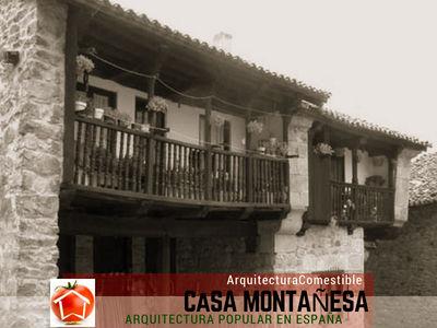 La solana es el elemento más típico de la Casa Montañesa que es un balcón corrido de madera
