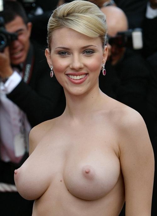 Scarlett Johansson Boobs in Public