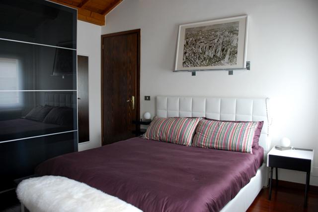 Mensola sopra letto idee per la casa for Mensola sopra letto