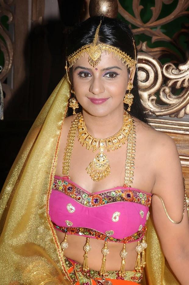 busty kerala mallu aunty actress without saree hot boobies