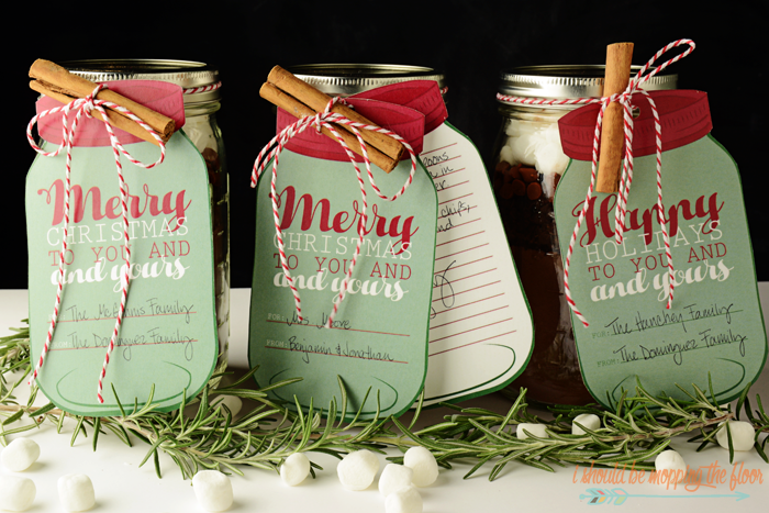 "Free Printable Mason Jar Gift tags are perfect for every kind of package under your tree! | Includes two sizes and both ""Merry Christmas"" and ""Happy Holidays"", as well as a lined note card. 