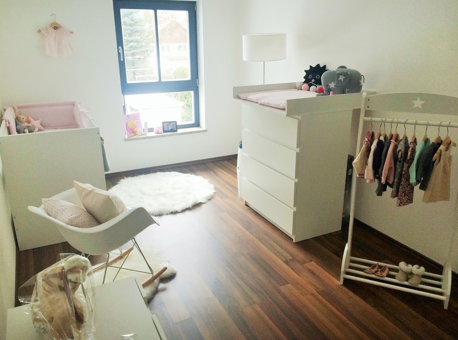sonjas picturebook von der einrichtung des babyzimmers. Black Bedroom Furniture Sets. Home Design Ideas