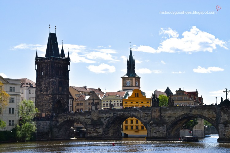 Beautiful Charles Bridge in Prague| Ms. Toody Goo Shoes #prague #charlesbridge #danuberivercruise