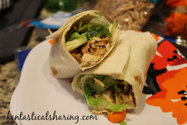 Asian Chicken Wraps |  A flavorful light dish that can be made in under 30 minutes! #recipe #chicken #wraps