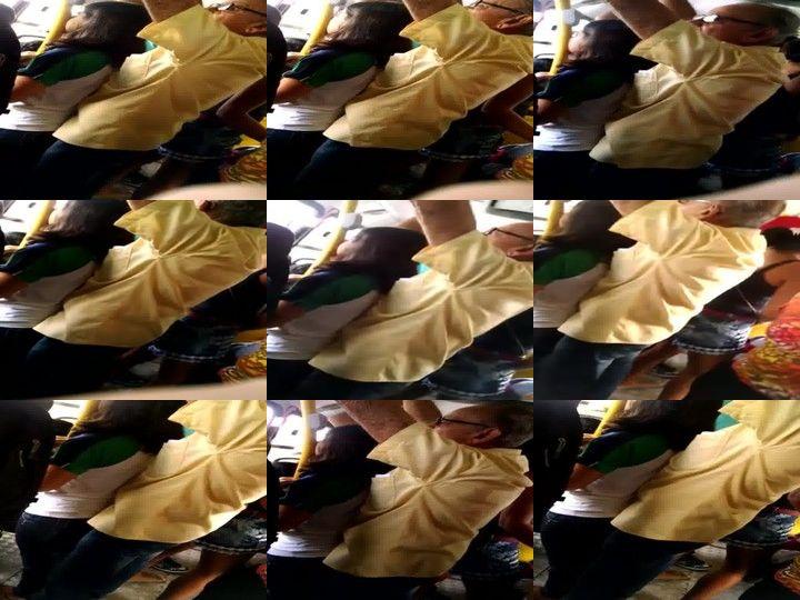 Velho sem Vergonha Encoxando Menina no Ônibus
