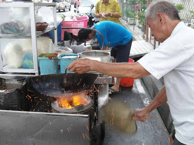 famous siam road char koay teow penang