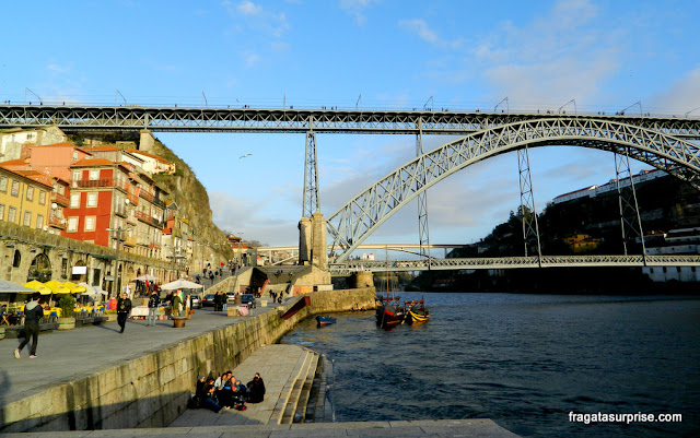 Cais da Ribeira e Ponte Luís I, Porto, Portugal