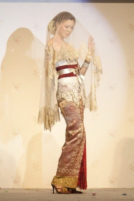 Shes in fashion ALL ABOUT KEBAYA  INDONESIA NATIONAL DRESS