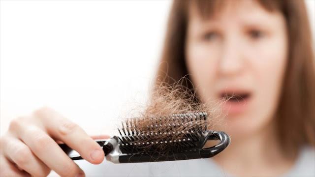 Explican principales verdades y mentiras sobre la caída del pelo