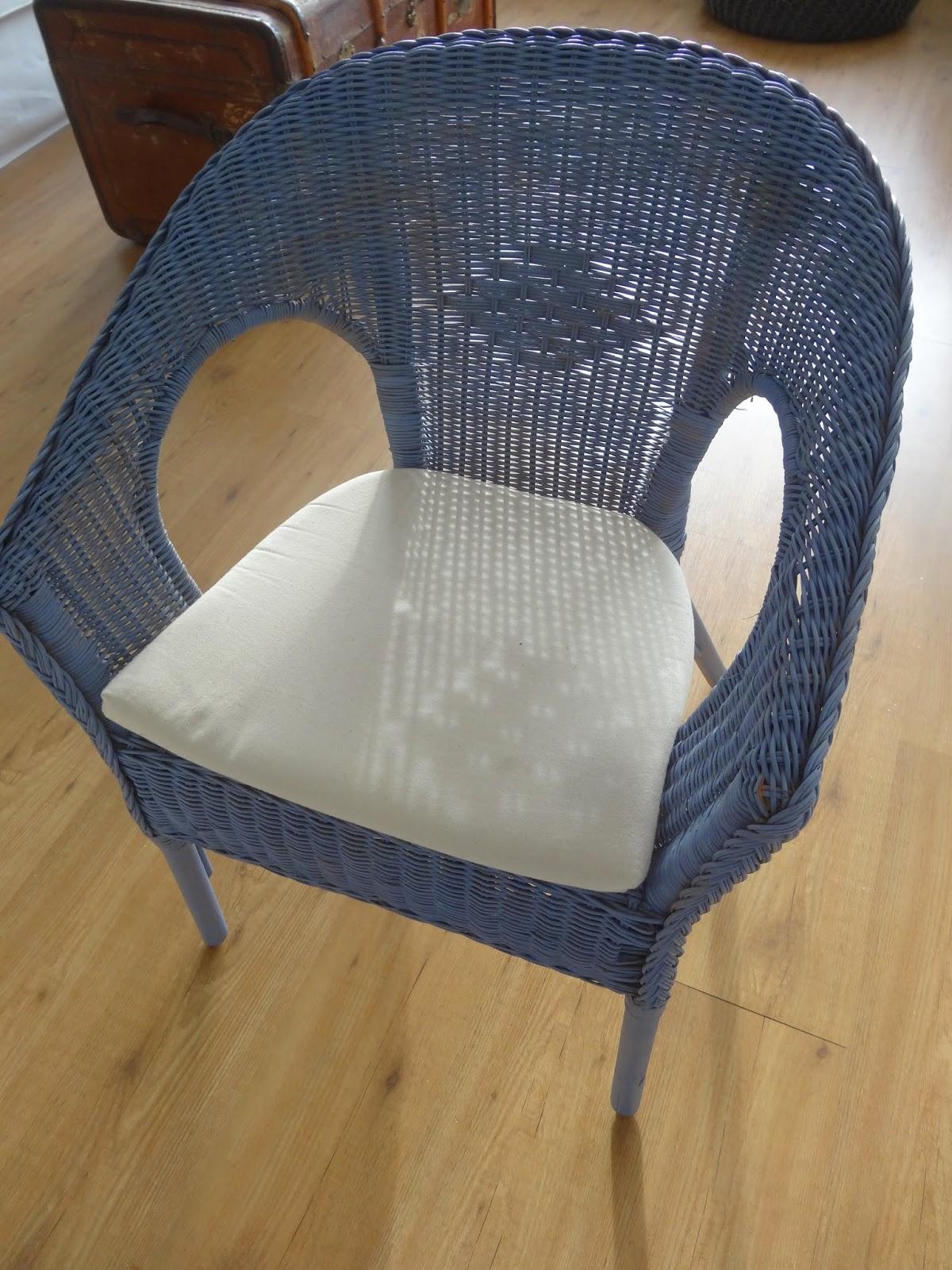 drei w nsche kinoreife verwandlung ikea st hle mit. Black Bedroom Furniture Sets. Home Design Ideas