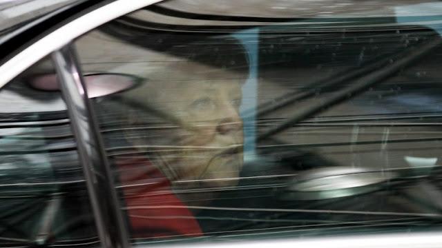 """Bild: Η Μέρκελ δεν μπορεί να δώσει το κούρεμα στον """"Ελληνα επαίτη"""""""