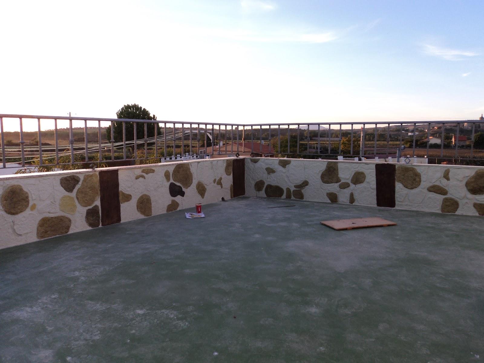 Decoracion De Paredes Con Relieves Impreso En Una Terraza