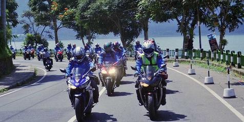 Yamaha Ajak Konsumen R25 Turing Kemerdekaan Bali-Solo