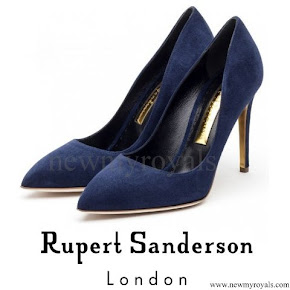 Kate Middleton wore RUPERT SANDERSON Suede Pumps LK BENNETT Frome Clutch