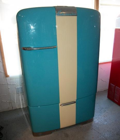 Vintage Fridge: Kidnapping, Murder, And Mayhem: Two Girls In An Ice Box
