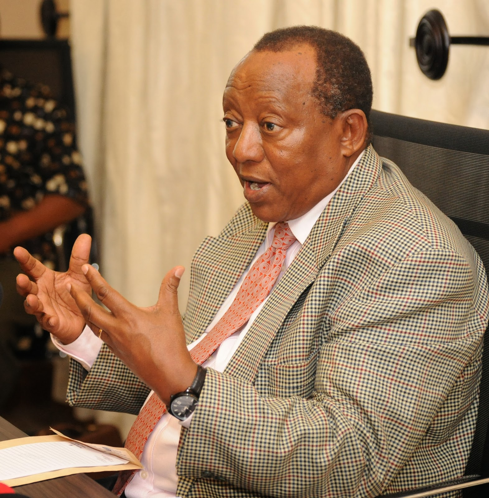 Sumaye ahamishiwa Muhimbili, Mbowe atoa neno