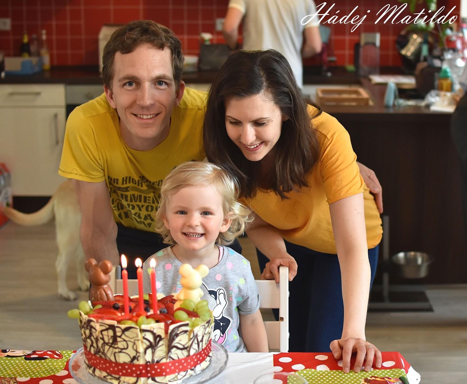 třetí narozeniny, oslava, tři roky, tříleťačka, slavíme, dcera