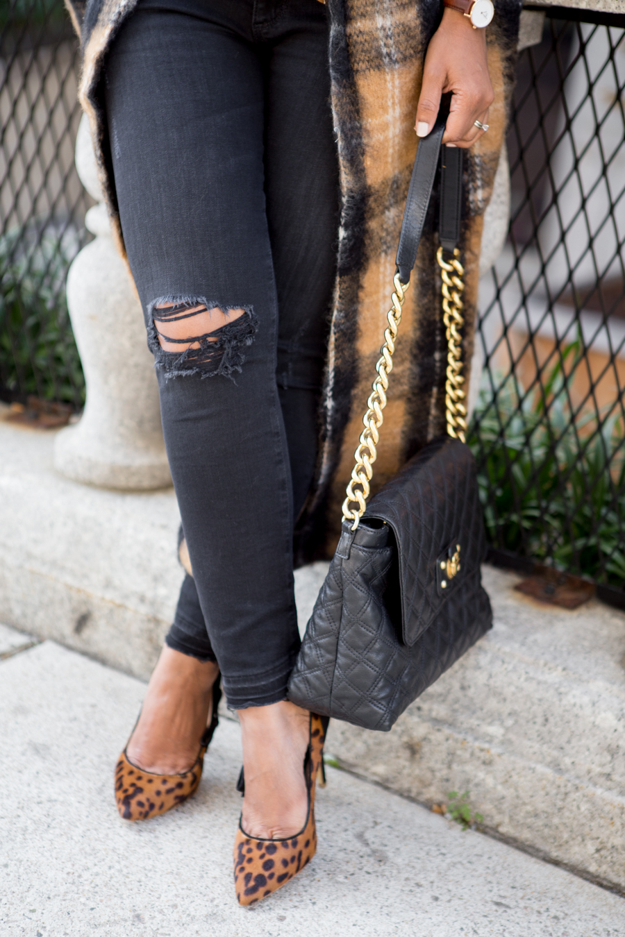 fall fashion, petite style, petite fashion, petite blogger, fall coats, statement coats, fall colors, fall trends, styling tips, free people, ann taylor, leopard pumps, distressed denim, petite jeans, raw hem, fringe jeans, ripped jeans, ag