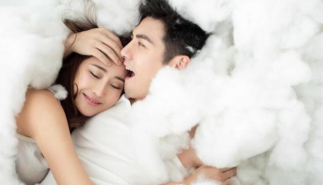 Phải cực yêu thương nhau thì vợ chồng mới có 8 biểu hiện này, muốn giả vờ cũng khó