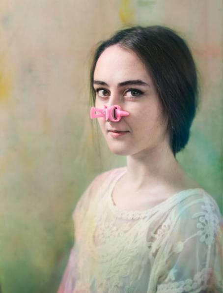 18 Alat Kecantikan Aneh Yang Menjanjikan Kecantikan - pemancung hidung