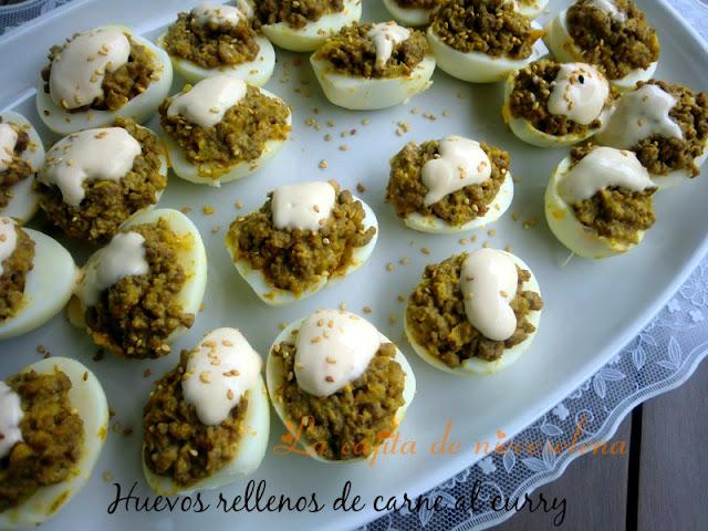 Huevos rellenos de carne al curry