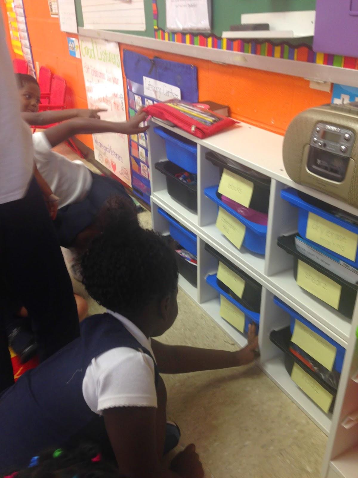 A Neighborhood Kindergarten Kindergarten Writing Labels
