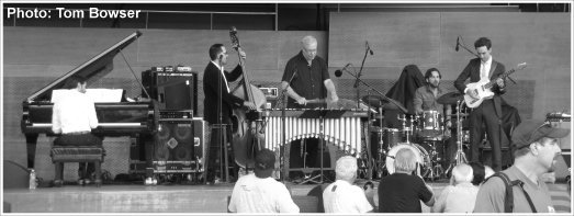 Chicago Jazz Festival (2015) Gary Burton (vibraphone), Vadim Neselovskyi (piano), Jorge Roeder (bass), Henry Cole (drums), and Julian Lage (guitar)