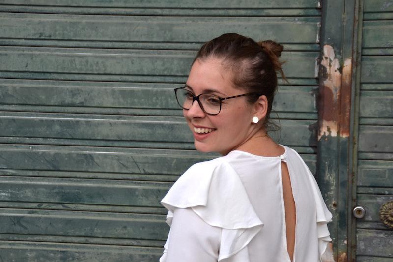 dos blouse a volants H&M,make-up Chanel et rouge à lévre Arcancil