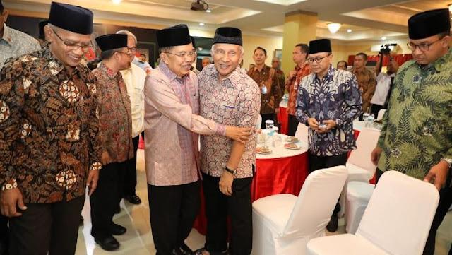 Amien Rais Menyerang Jokowi, Memeluk JK