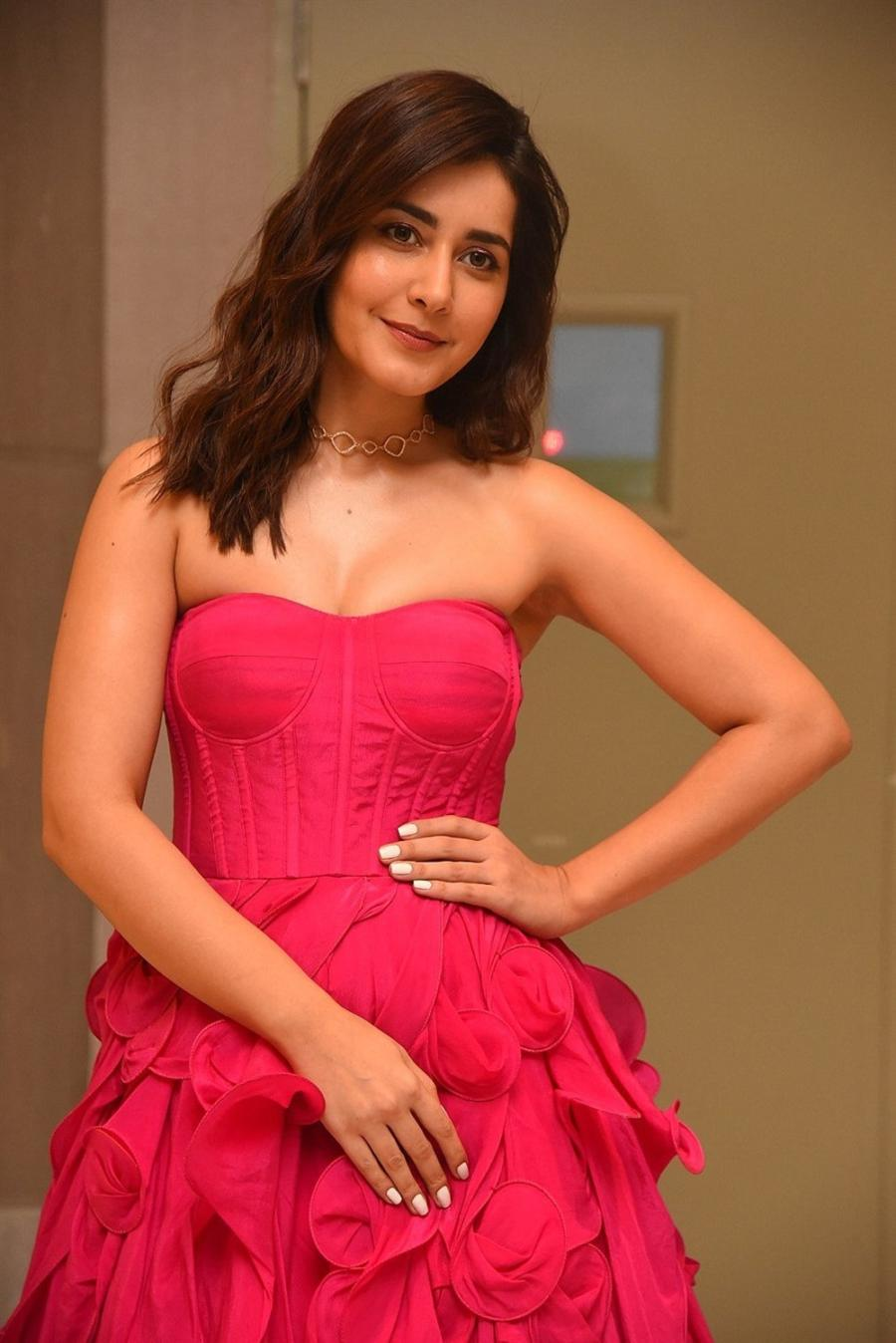 Raashi Khanna Sizzles in Pink Corset Gown Stunning Diva at an movie function