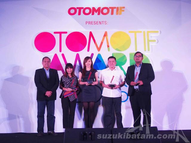 Suzuki Celerio Dianugerahi Small City Hatchback pada Ajang Otomotif Award 2016