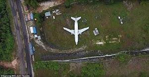 Pesawat di Tebing Bekas Tambang di Bali ini bikin Geger Media Luar, Kira kira kenapa ya?