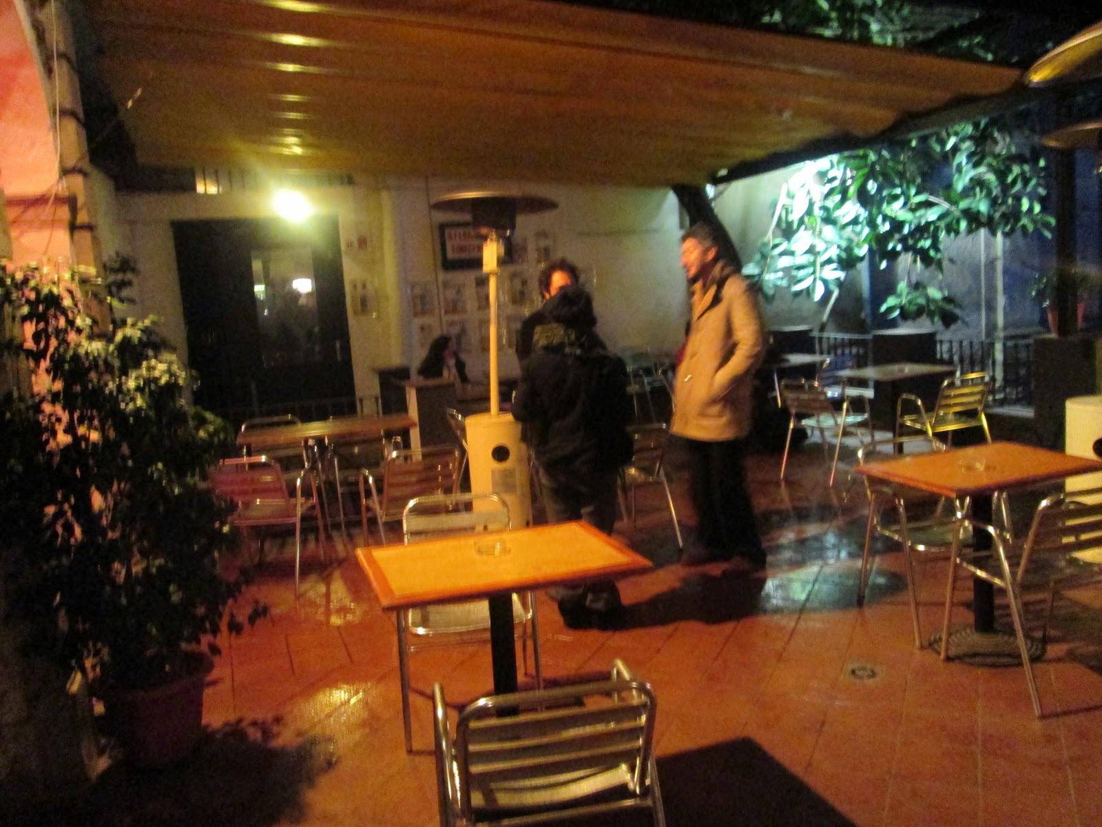 Open Air At Antic Teatre Sant Pere Barcelona Una Terraza