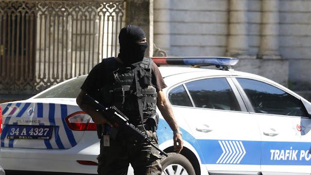 السلطات التركية تعتقل الرئيس المحلى لمنظمة حقوق الانسان