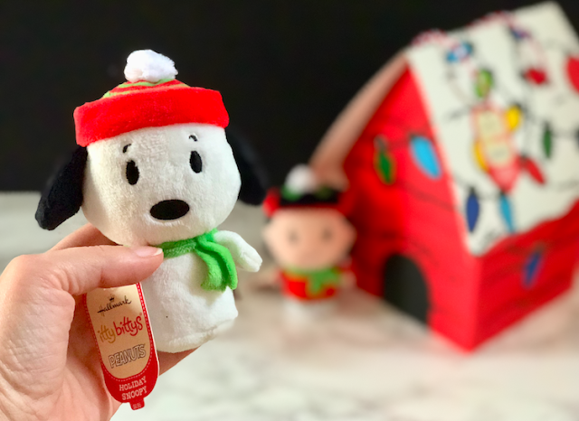 Hallmark Holiday Gift Guide 2017 - Peanuts itty bittys and dog house