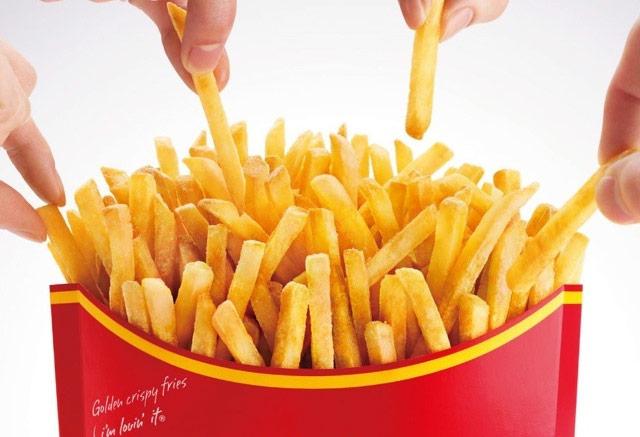 Buongiornolink - Mangiare le patatine di McDonald's farebbe crescere i capelli?