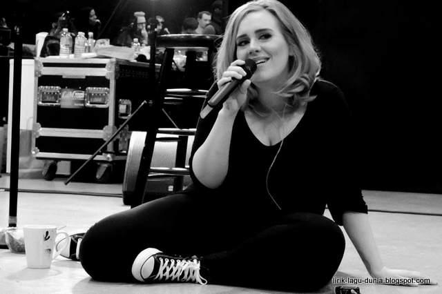 Foto Baru Adele Instagram