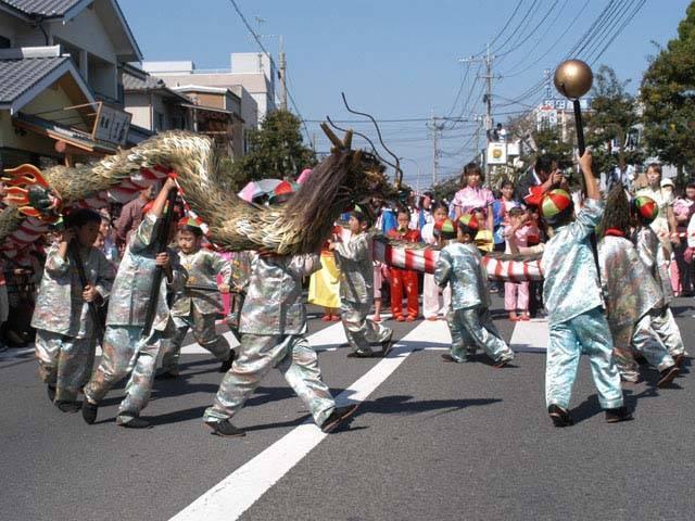 Shiranui Matsuri (parade of various people & float) at Shimabara Hot Springs, Shimabara City, Nagasaki Pref.