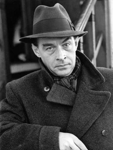 an analysis of erich maria remarques novel all quiet on the western front A summary of themes in erich maria remarque's all quiet on the western front   whereas war novels before all quiet on the western front tended to.