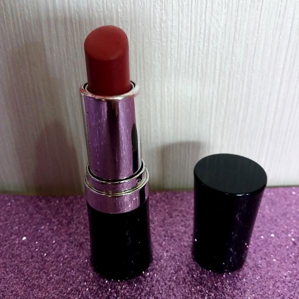 Batom da YES! Cosmetics: Framboesa