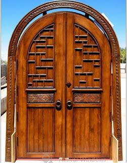 diseños de puertas antiguas con finos detalles