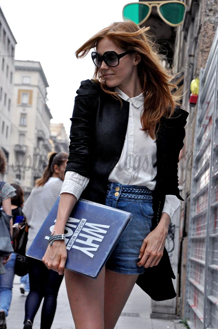 3e5e59548bf329 TUESDAY WITH CAROLINE- KATE MOSS LOOK. Shorts Sandro Shirt Sandro Jacket  Maje Ballerinas Ursula Mascaro (Vergelio stores, Milan) Bag Chanel