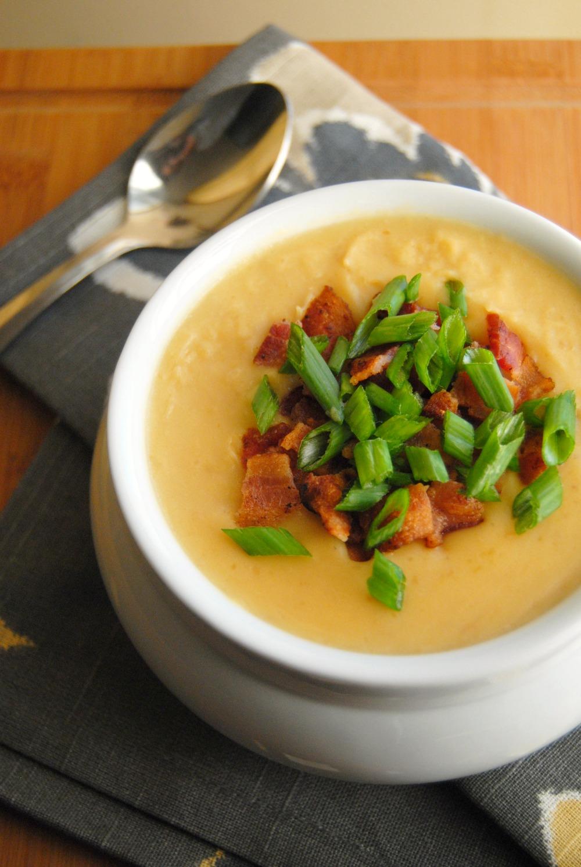 SteakNPotatoesKindaGurl: Crockpot Potato Soup