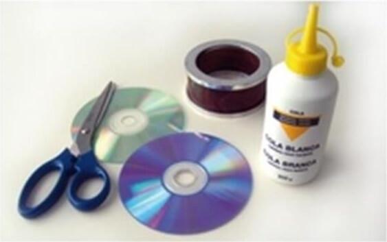 كيف تصنع سوار جميل بنفسك باستخدام الأقراص القديمة السي دي CD